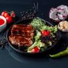 Говяжий стейк с салатом Grill Pub Bitok