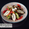 Теплый салат с куриным кебабом Kavkazskiy Dvor