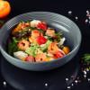 Салат с креветками, персиком, крем сыром и миндальными хлопьями Grill Pub Bitok