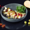 Винный салат с грушей, дор-блю и пеканом Grill Pub Bitok