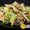 Салат цезарь с курицей GRILL PUB